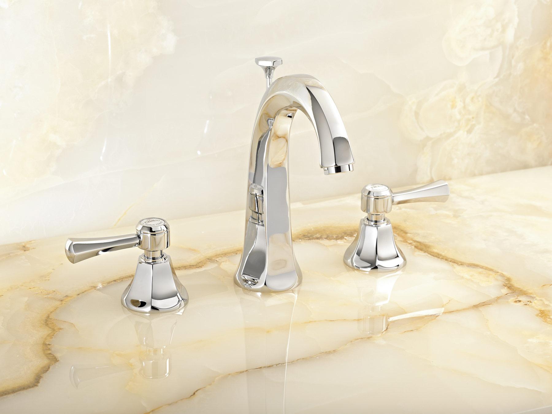Traditional Ascott Deck Mount Faucet