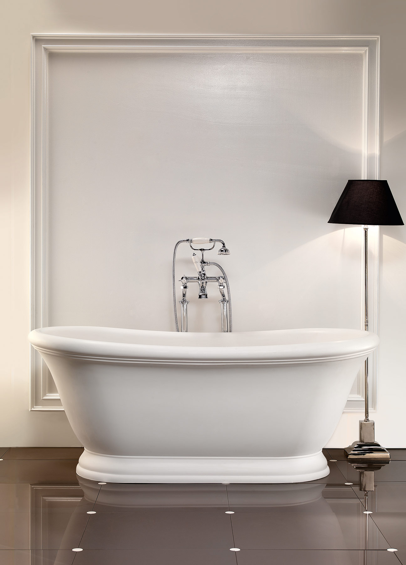 Transitional Aurora Freestanding Bathtub