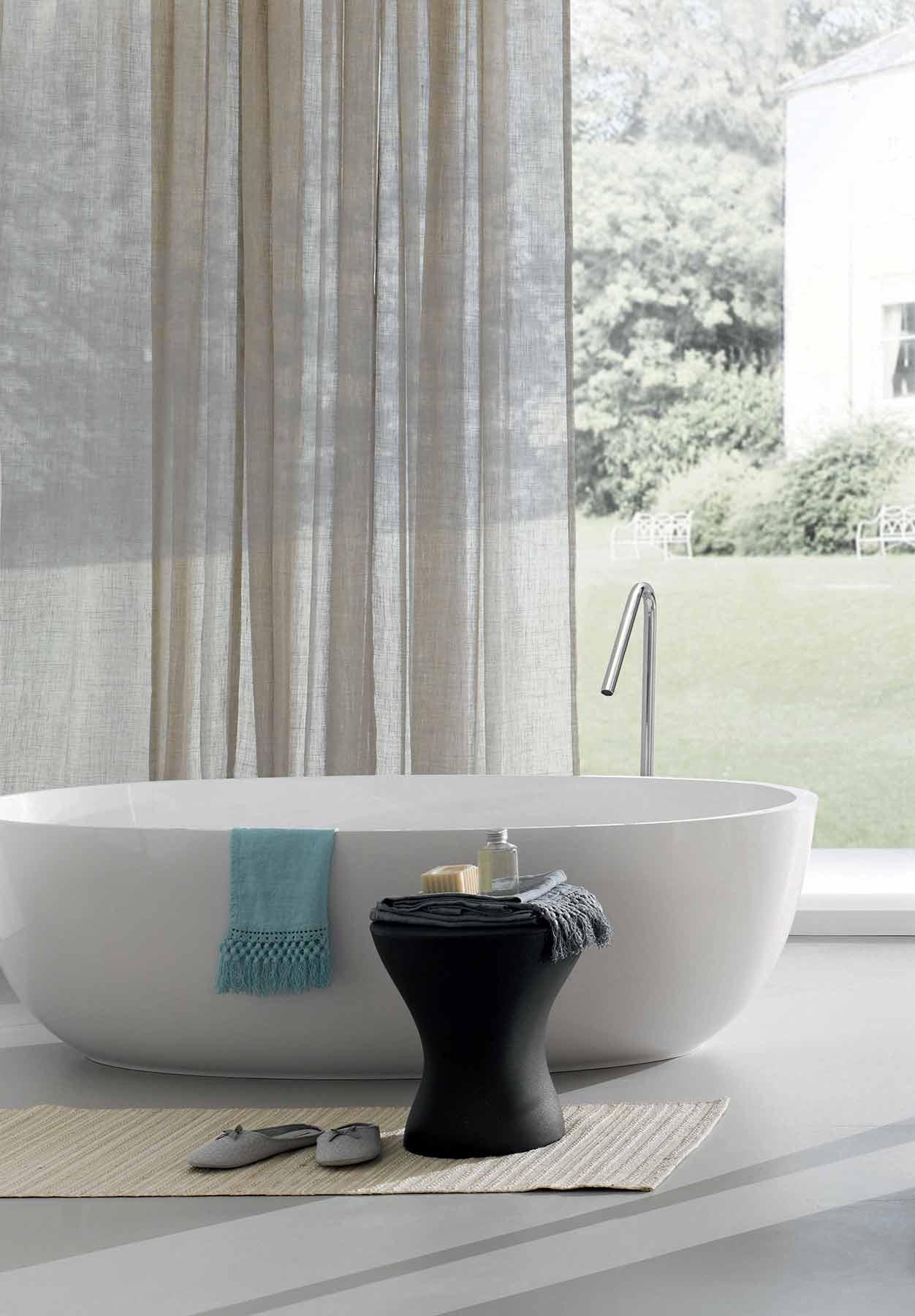 Modern Azure Freestanding Oval Bathtub