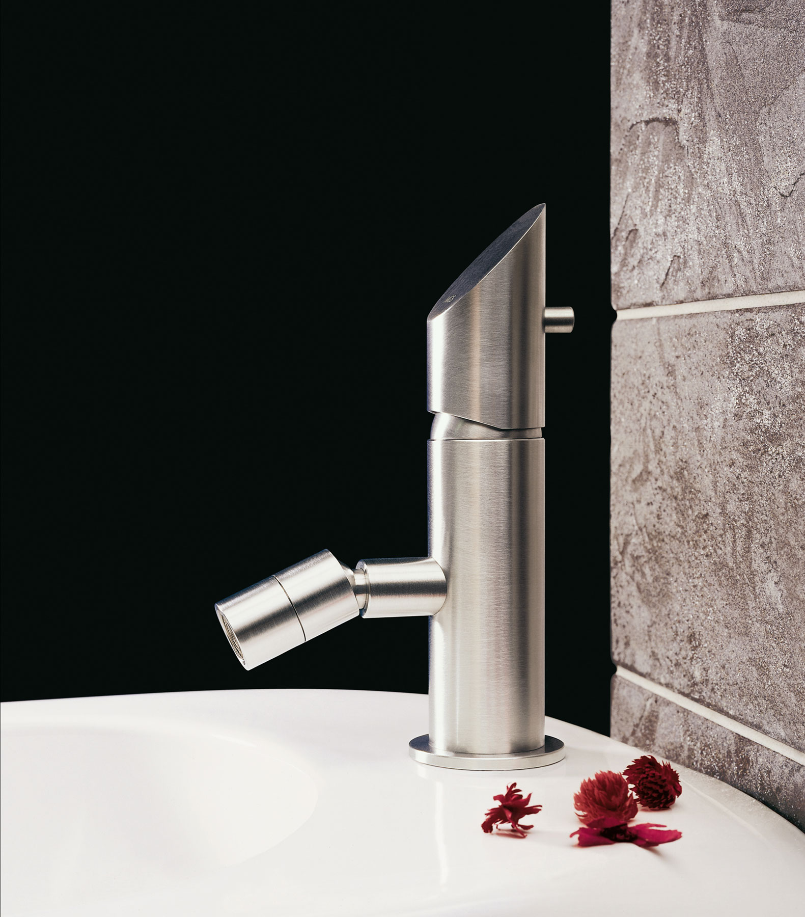 Modern Beauty Deck Mount Bidet Faucet