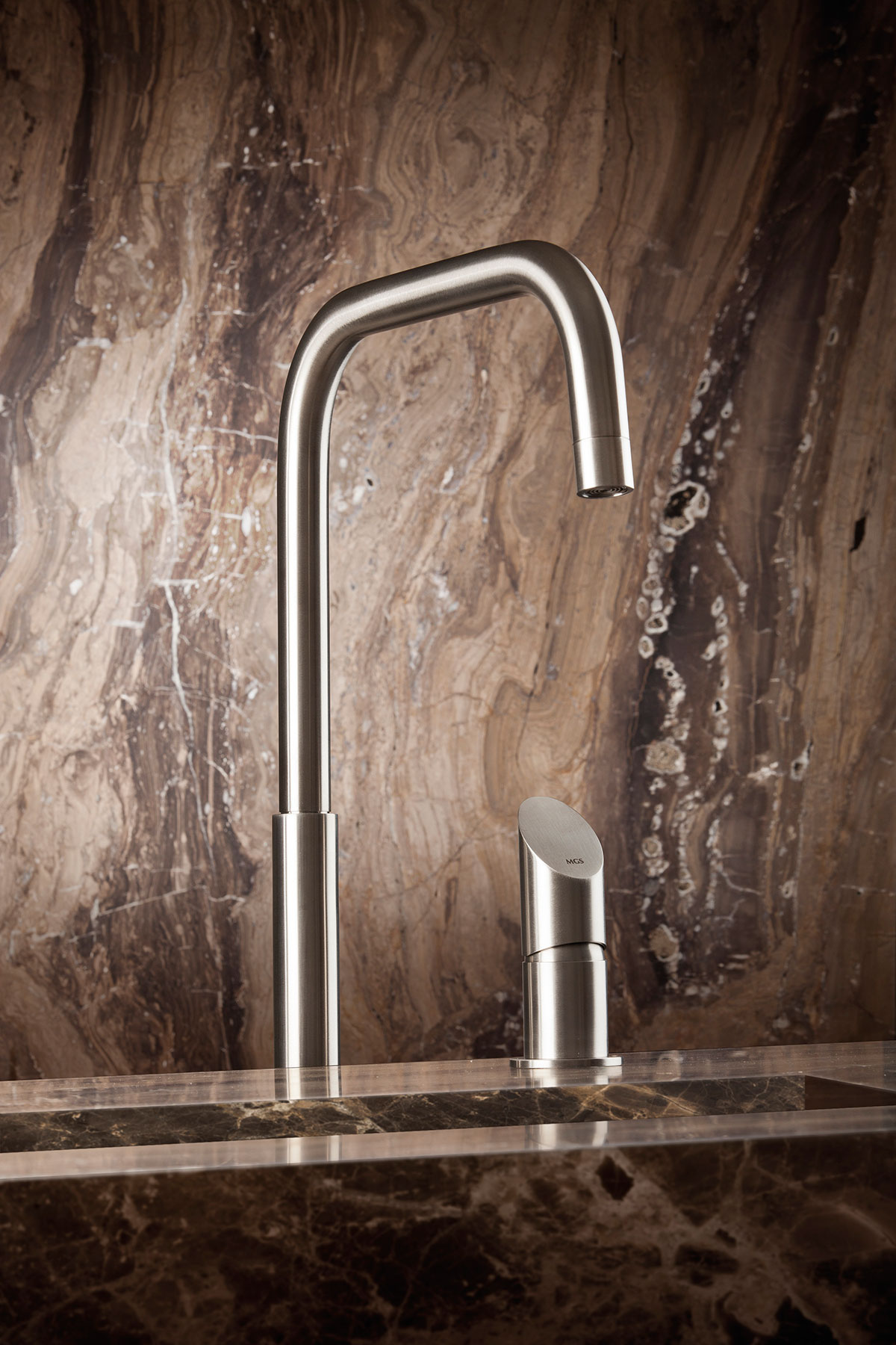 Modern Beauty Floor Mount Faucet