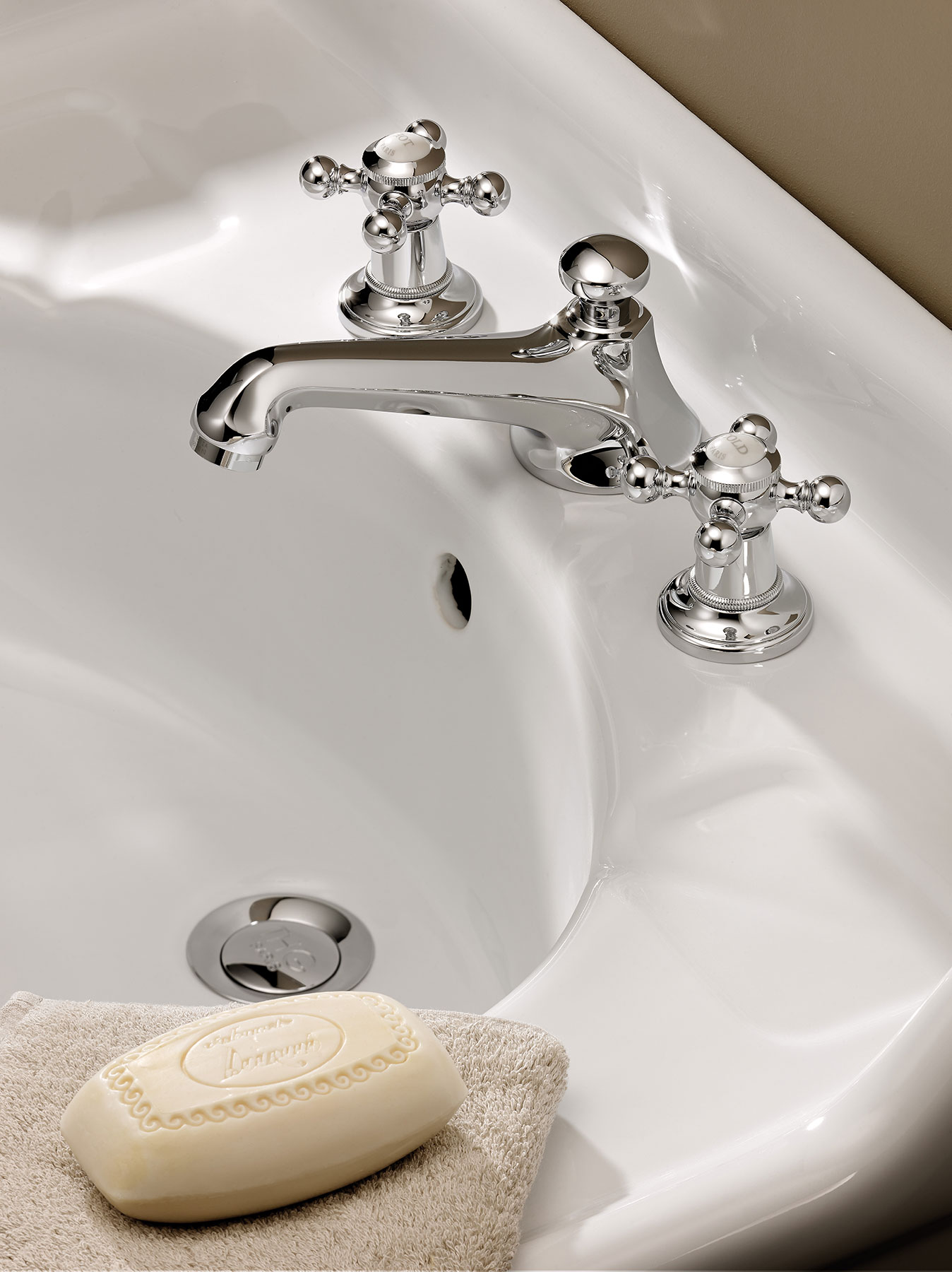Traditional Charleston Deck Mount Faucet