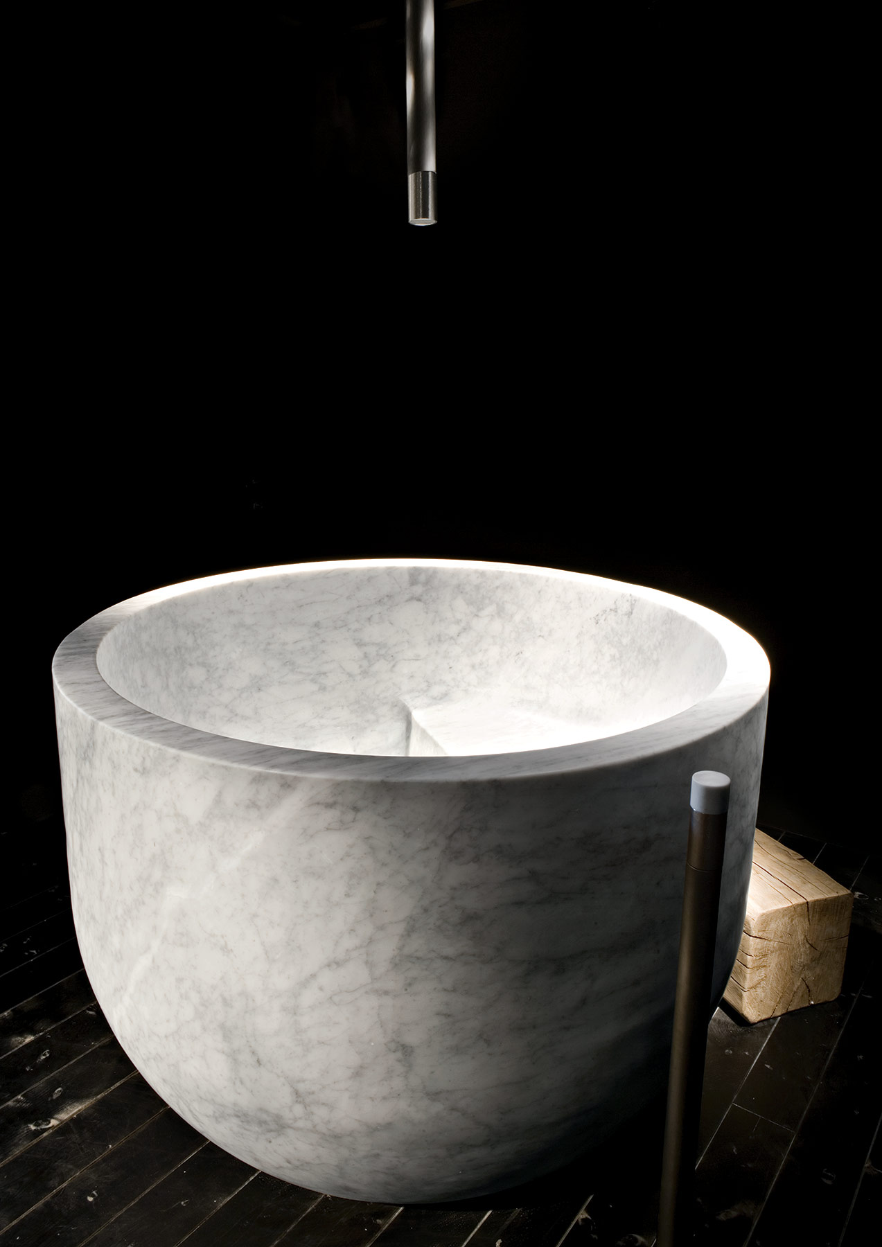Transitional Ciotola Freestanding Bathtub