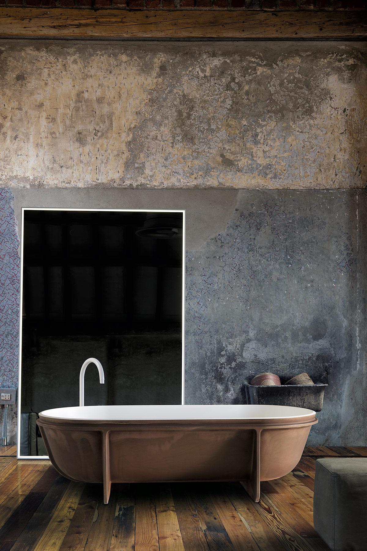 Transitional Controstampo Freestanding Bathtub