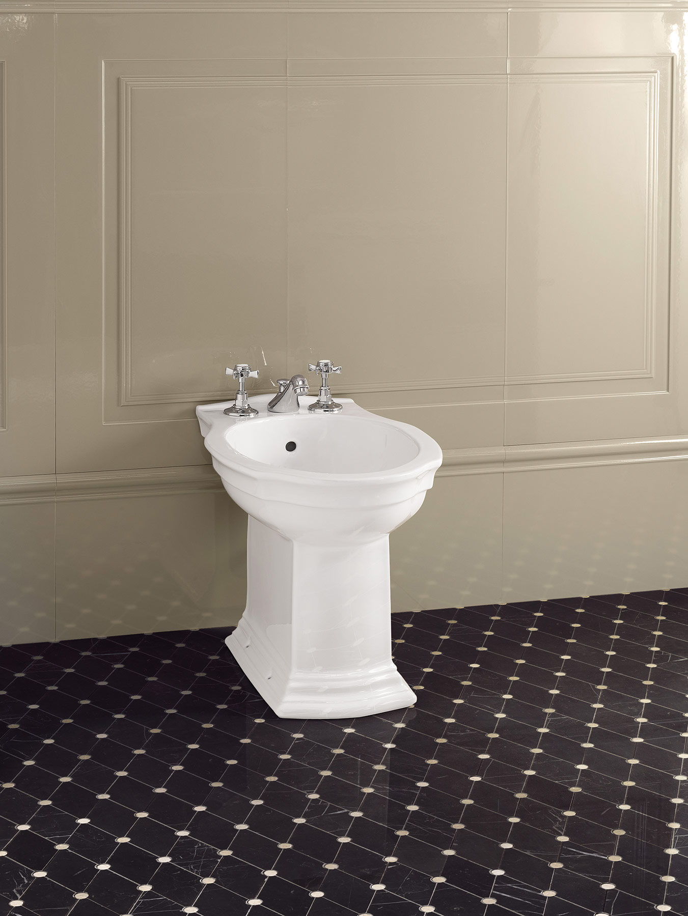 Traditional Coventry Deck Mount Bidet Faucet