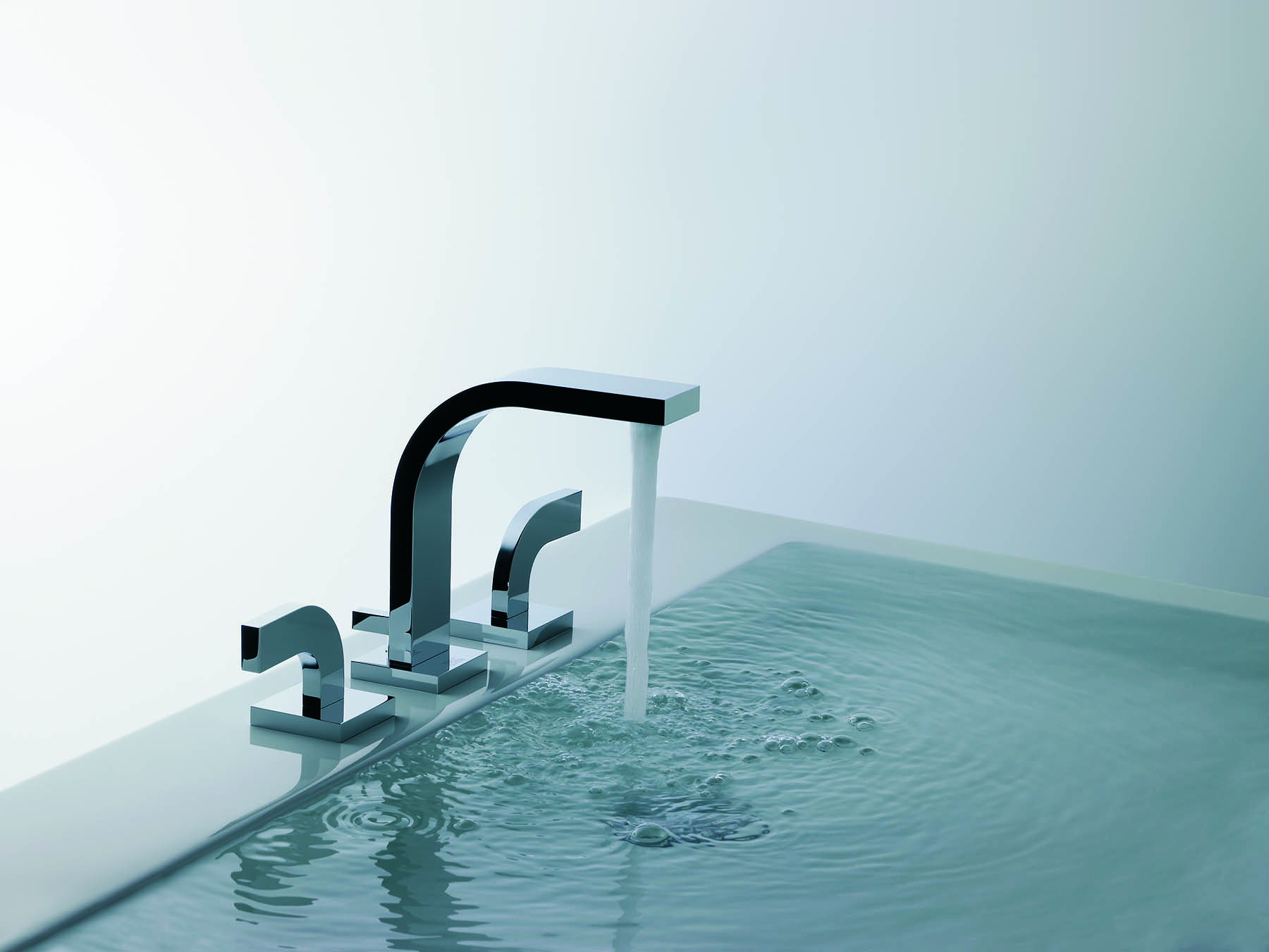 Domino Deck Mount Faucet