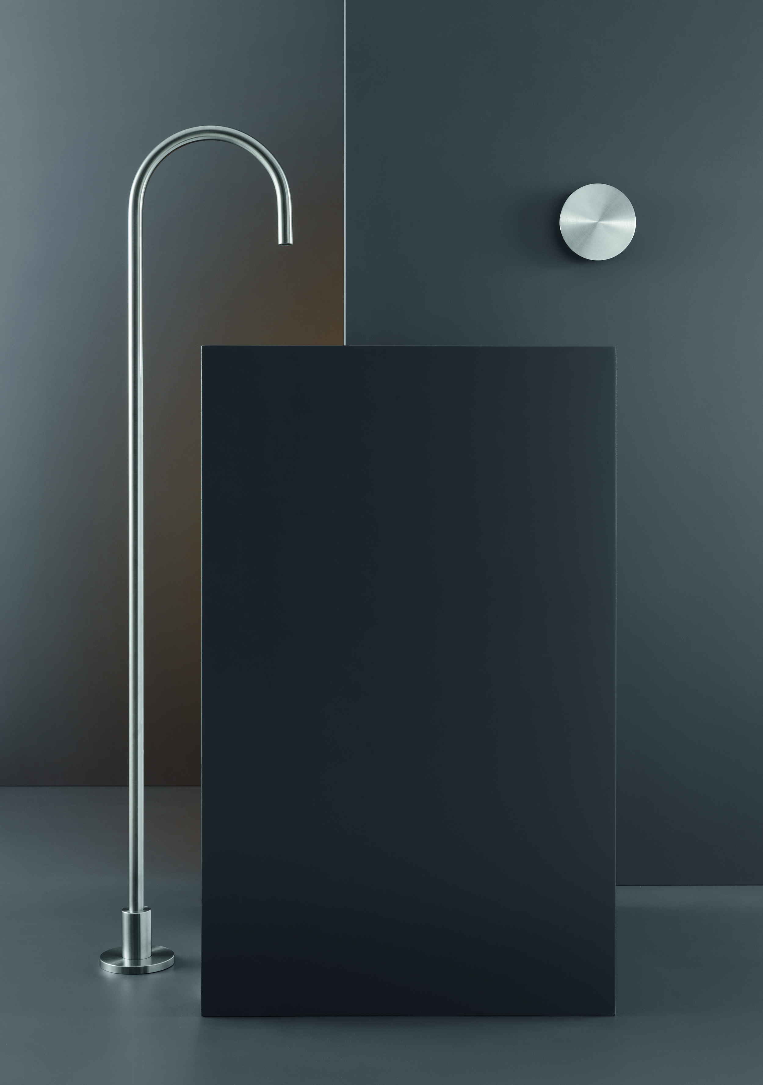 Contemporary Free Floor Standing Spout