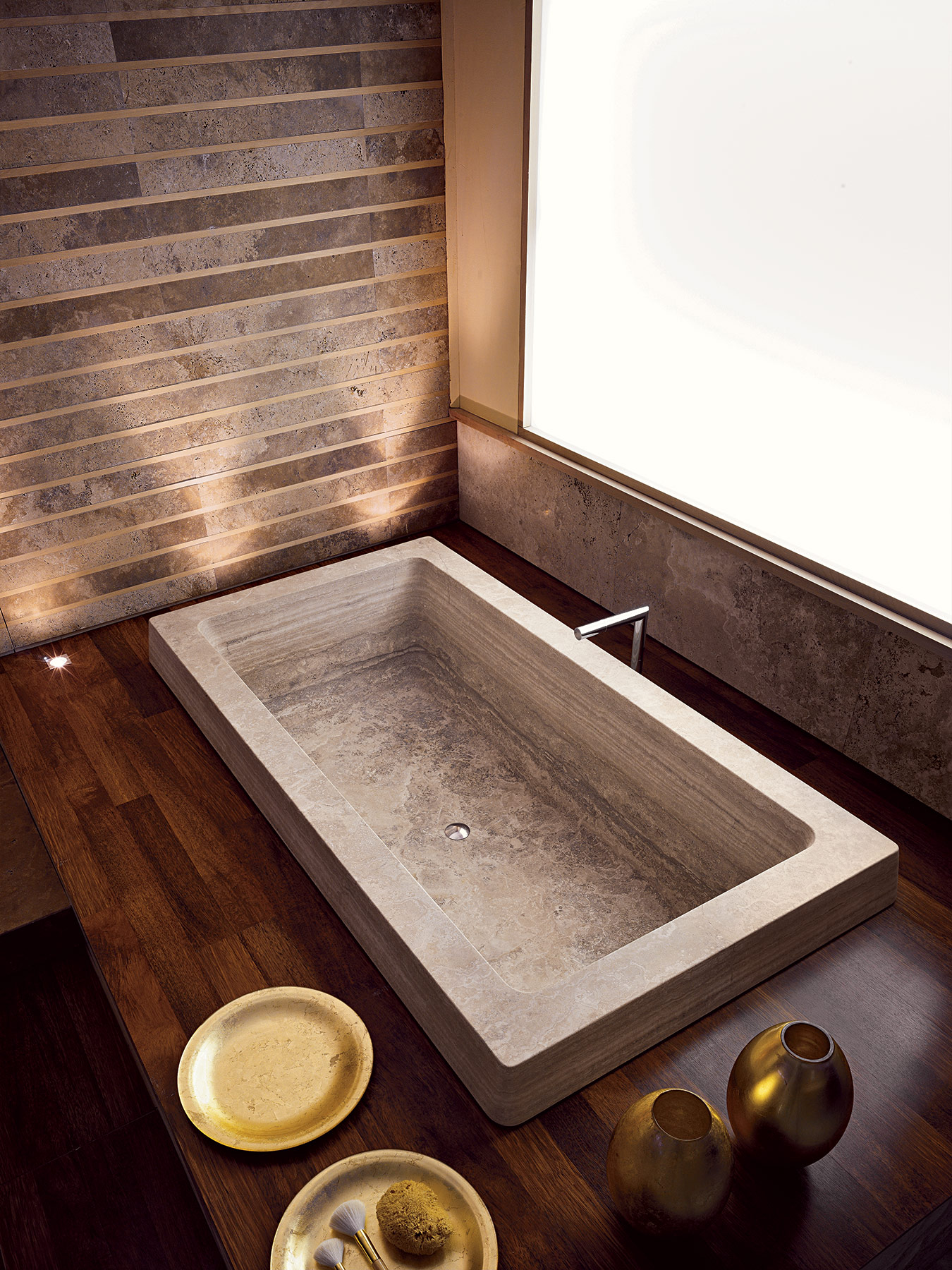 Contemporary Glove Built-In Bathtub