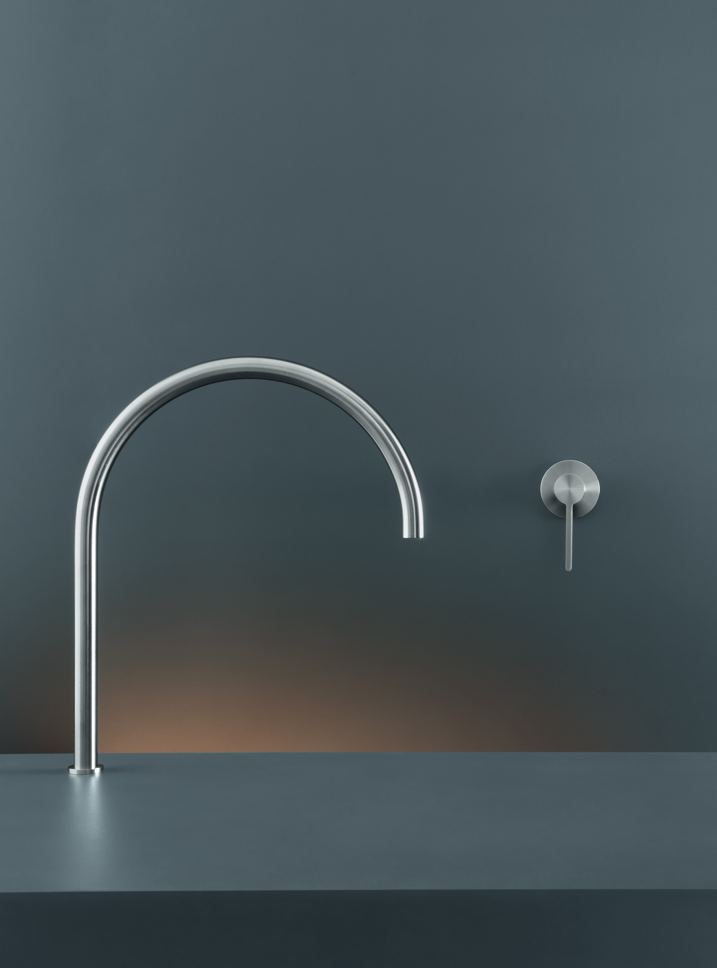 Contemporary Innovo-Free Faucet Set