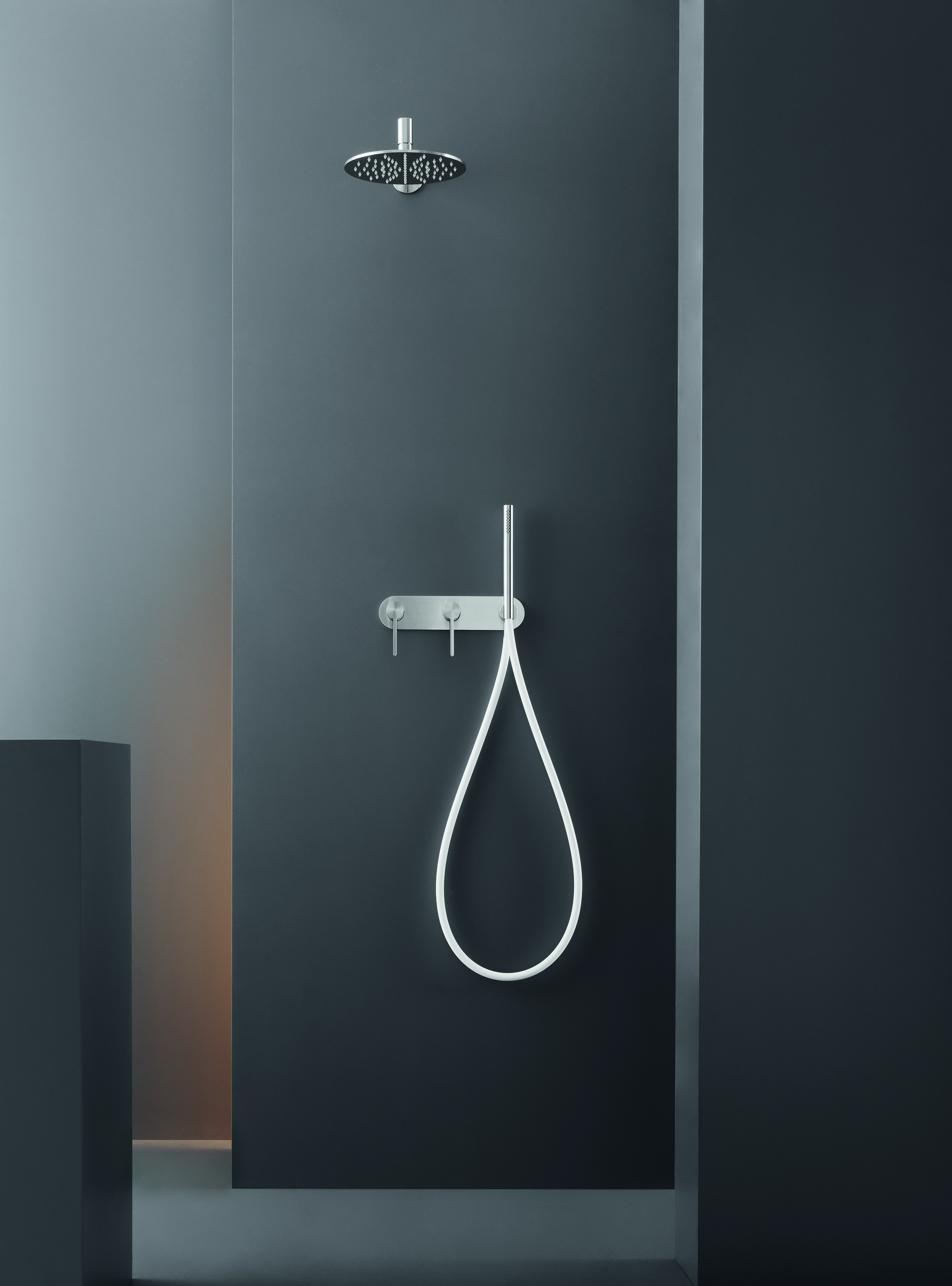 Contemporary Innovo-Free Wall Mount Shower Set
