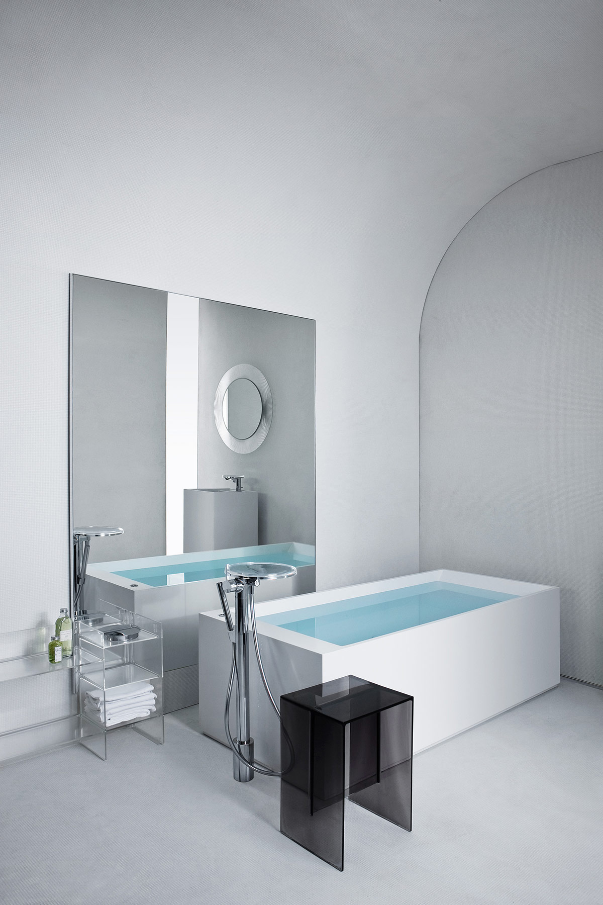 Transitional Kartell Freestanding Bathtub