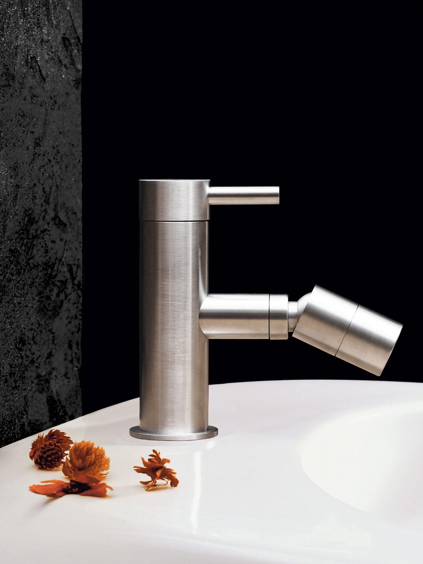 Modern Minimal Beauty Deck Mount Bidet Faucet