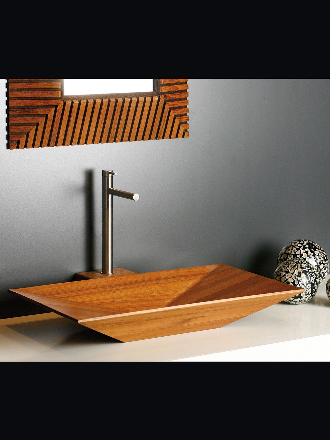 Modern Minimal Beauty Deck Mount Faucet
