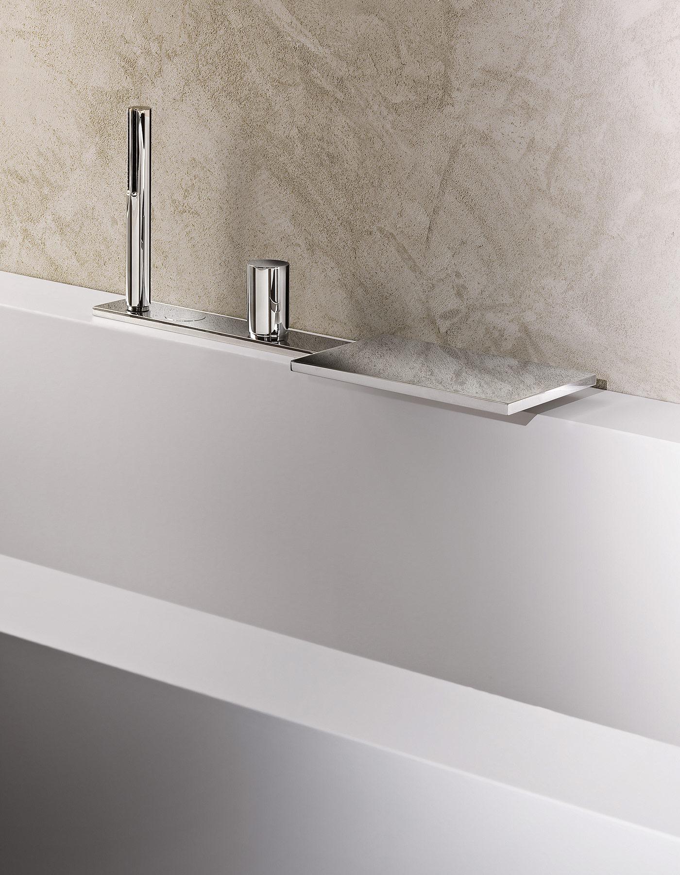 Contemporary Milano Deck Mount Tub Faucet