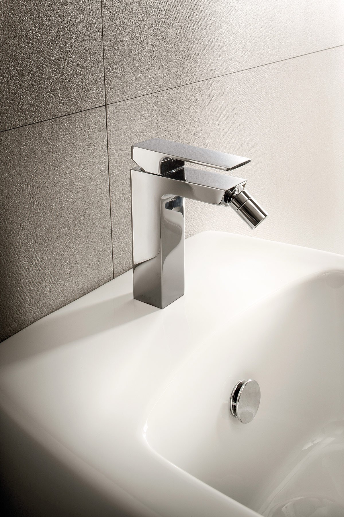 Contemporary Mint Deck Mount Bidet Faucet