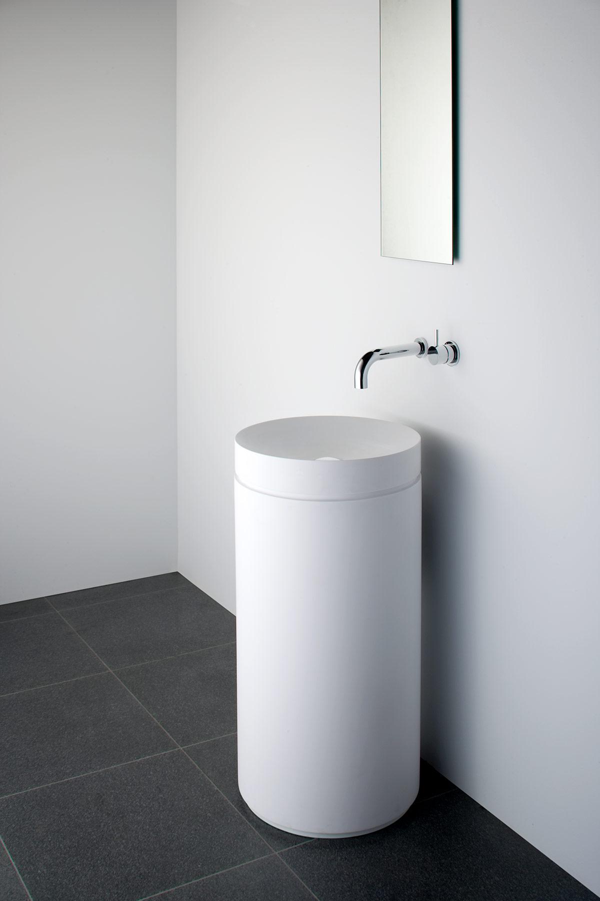 Modern Mono Freestanding Pedestal Basin