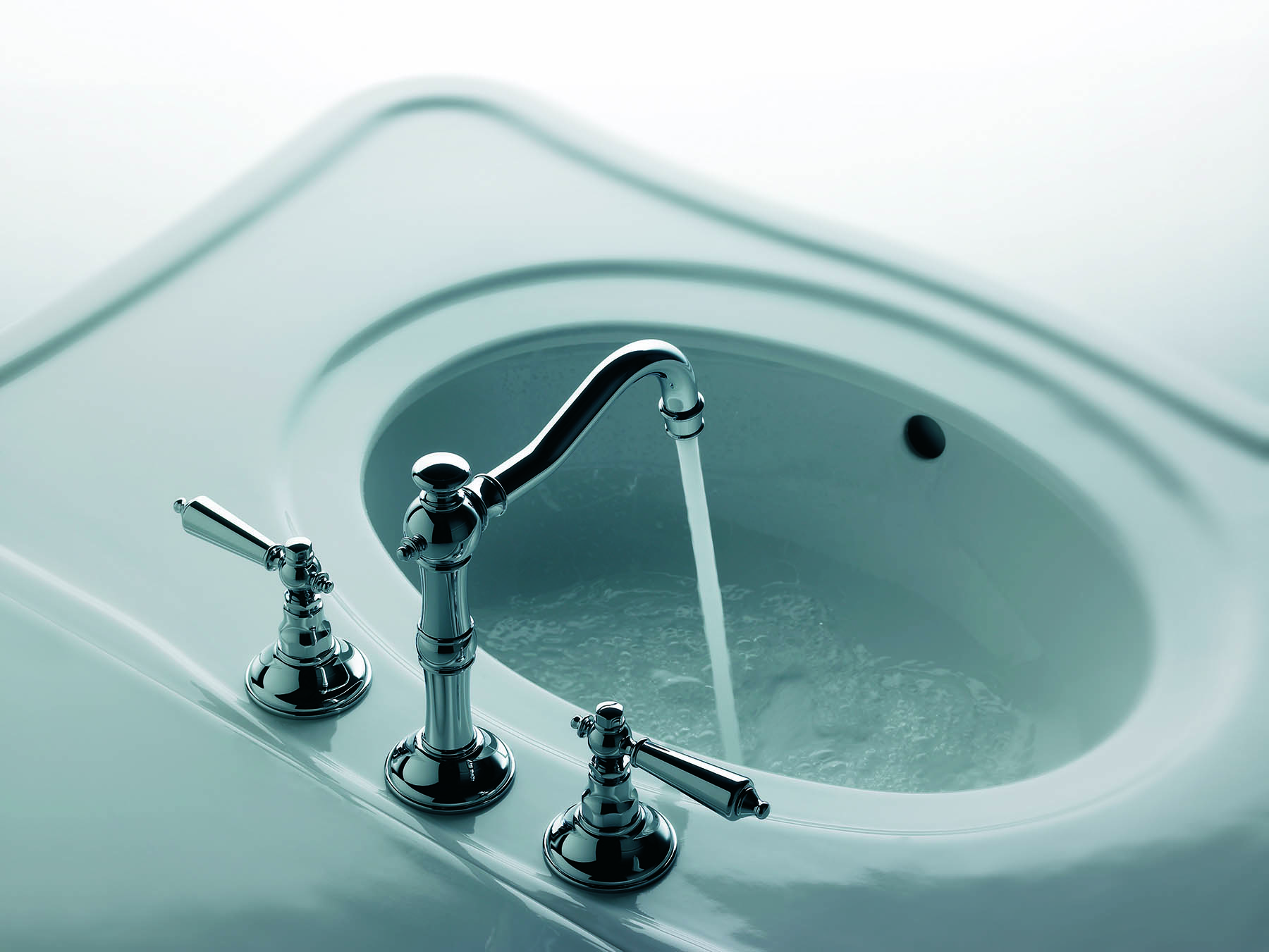Traditional Revere Lever Deck Mount Faucet