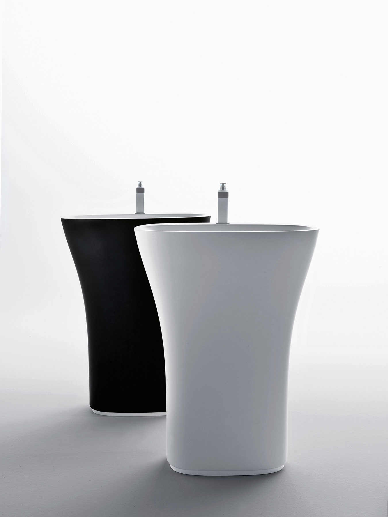 Transitional Scoop Freestanding Washbasin