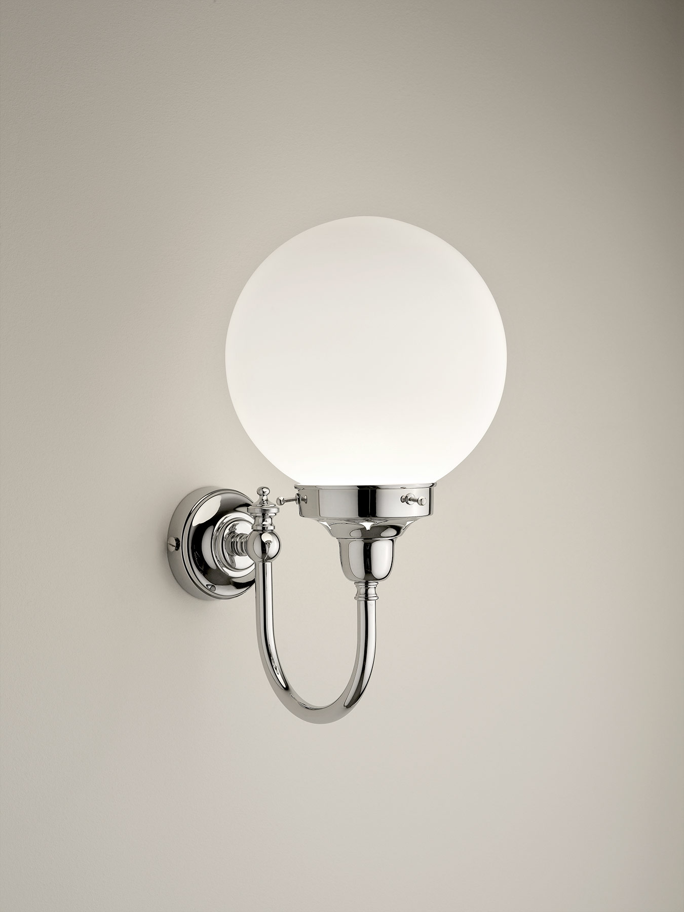 Traditional Sfera-Yeats Wall Mount Lamp