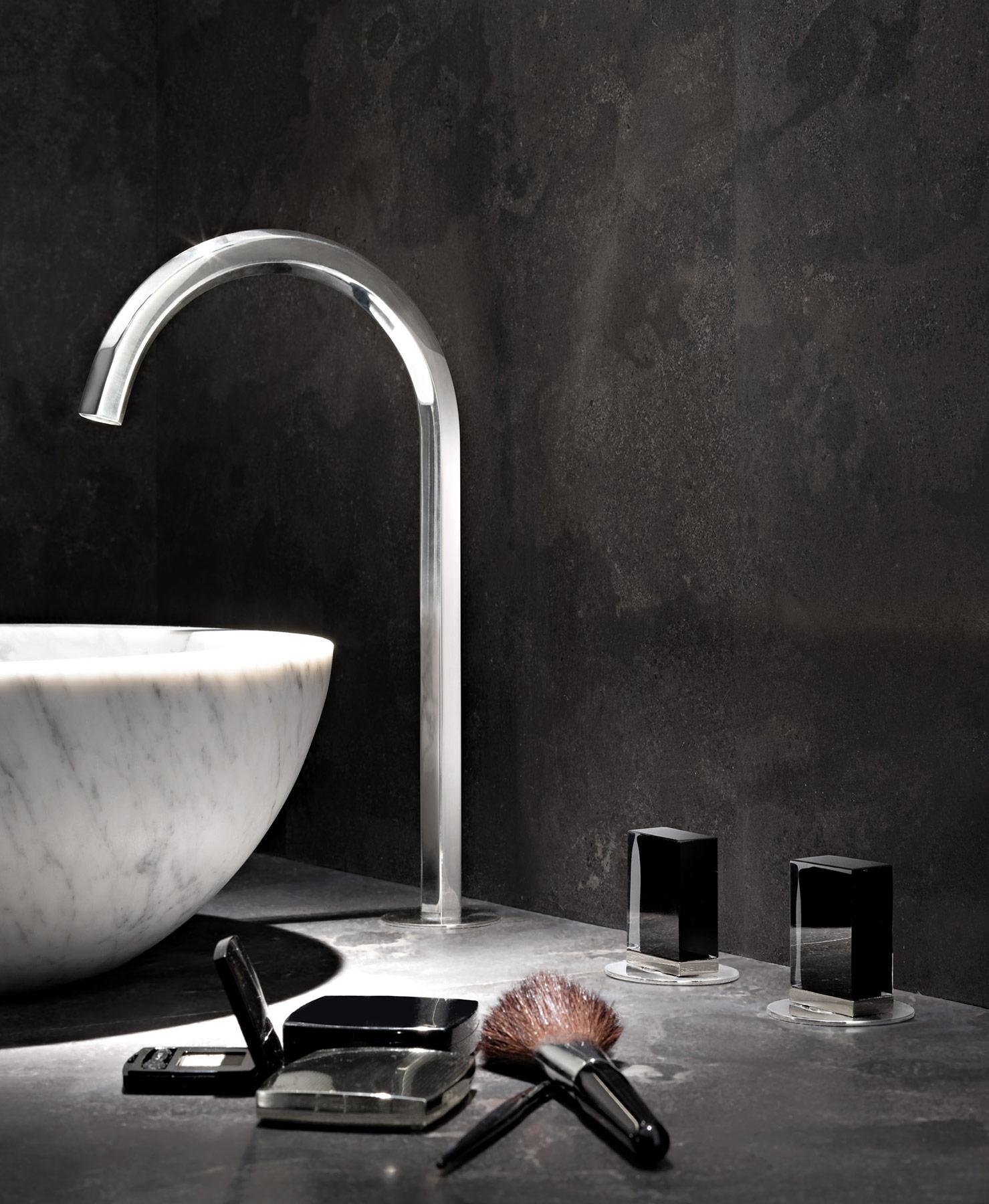 Contemporary Venezia Deck Mount Faucet