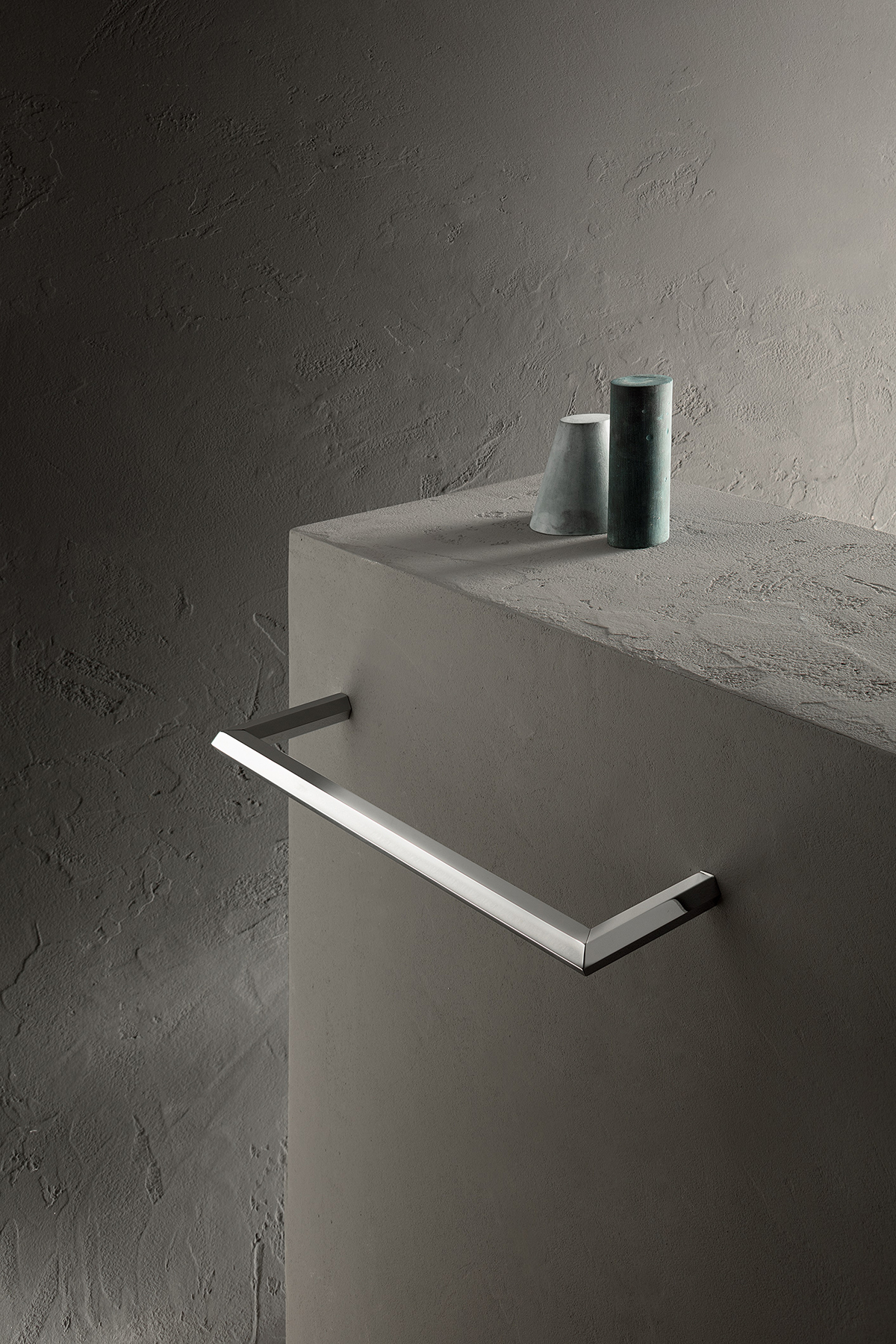 Modern Venezia Wall Mount Towel Bar