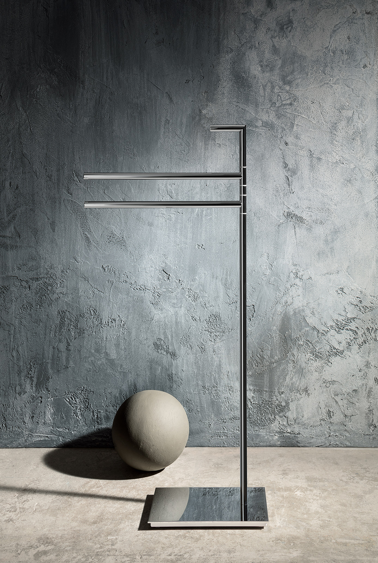 Modern Young Freestanding Towel Bar Set